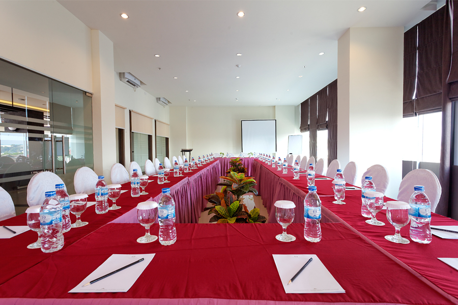Half Day Meeting Package